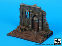 Street with house ruin N°3 base (150x90 mm)