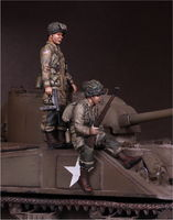 U.S. Army Airborne and sergeant on Sherman - Image 1